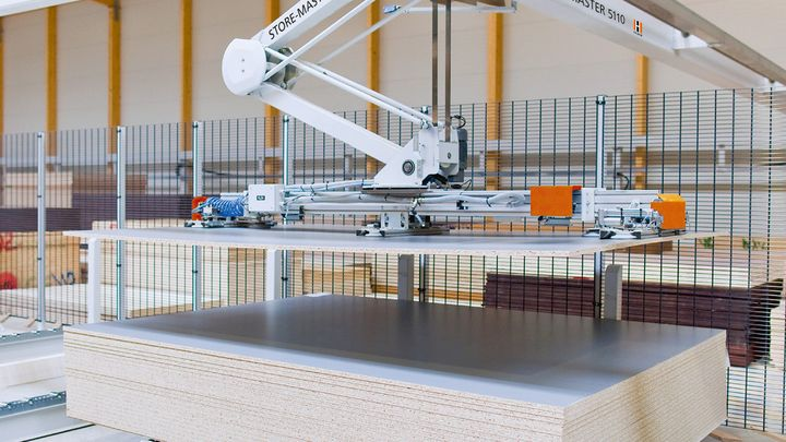 Intelligent panel store manipulator for careful material handling